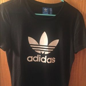 Brand new never worn vintage Adidas T-shirt